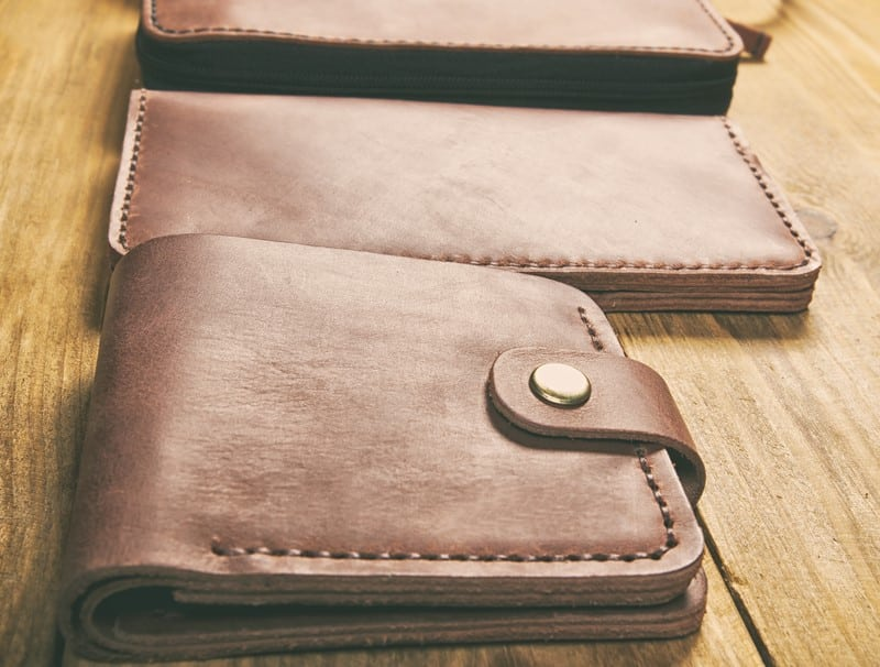 Bifold vs. Trifold Wallets: 7 Important Things to Consider